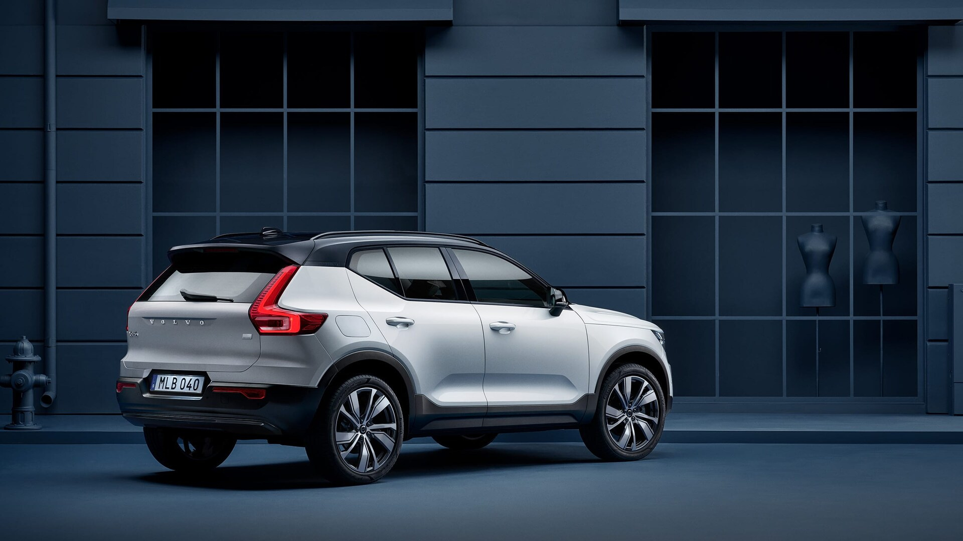 xc40-recharge-gallery-1-16x9