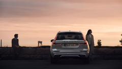 VOL-dealerwebsite-MY19-XC60-image05