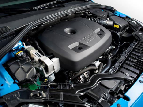 188705_Volvo_S60_and_V60_Polestar_engine
