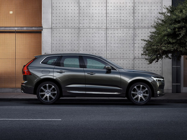 VOL-dealerwebsite-MY19-XC60-image02