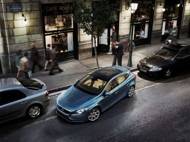 42337_The_all-new_Volvo_V40