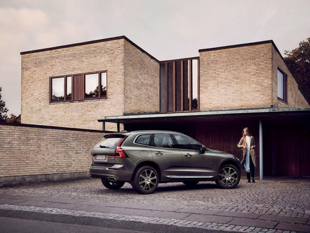 VOL-dealerwebsite-MY19-XC60-image01