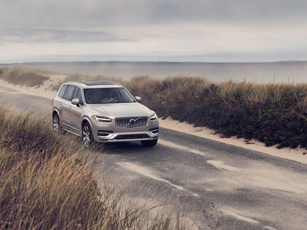 campaign_XC90_recharge-hero